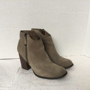 Matisse Riley Taupe Sueded Leather Ankle boot 8.5